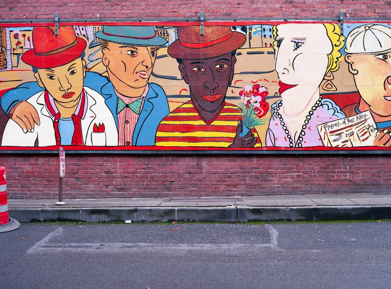 This is one of my favorite murals in Pioneer Square, Seattle. I made this image using the Mamiya AFD II + 80mm Lens + Kodak Ektar 100 film.