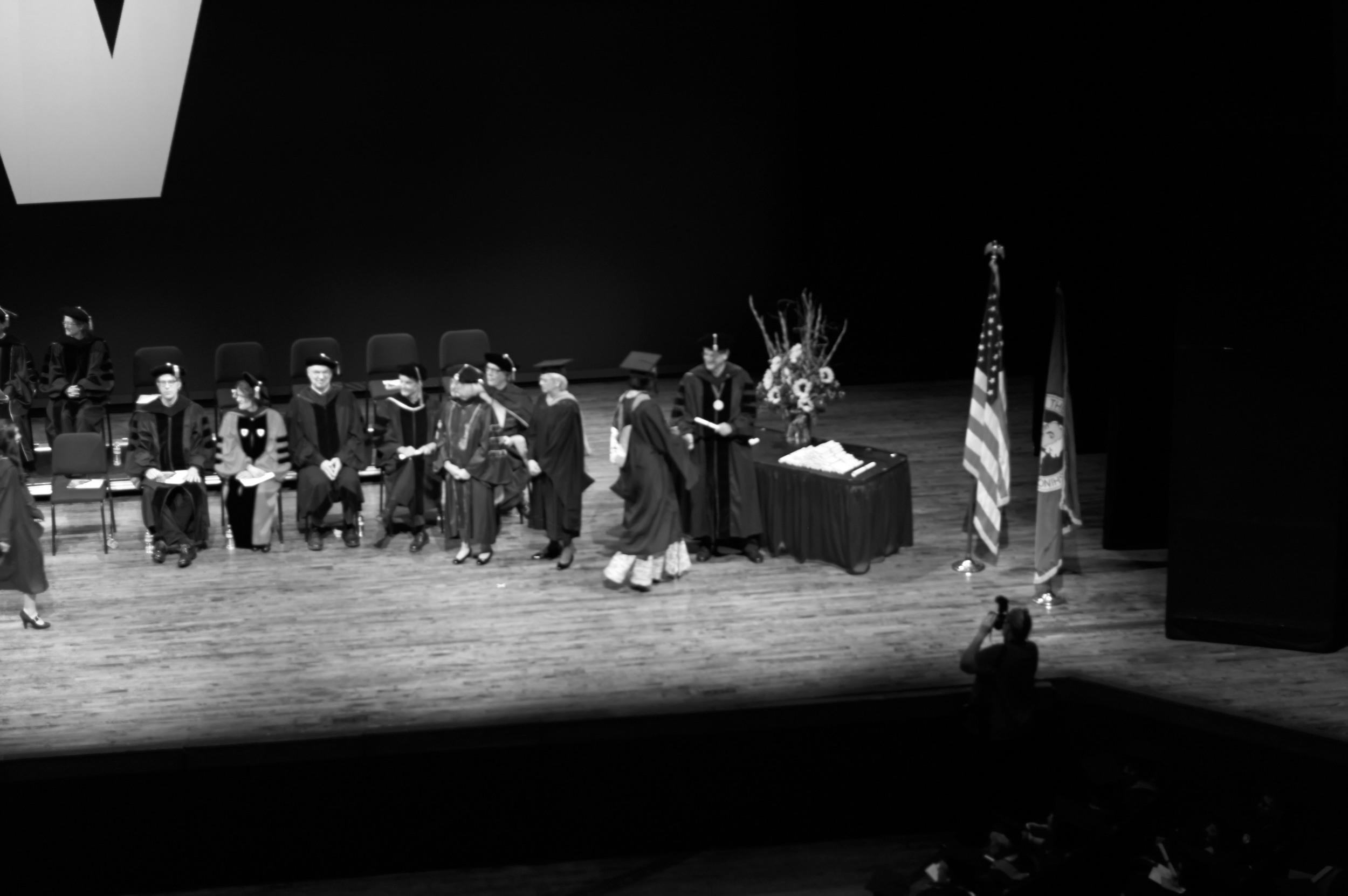20140612_m9_EvansSchool_Graduation_008_BW.jpg
