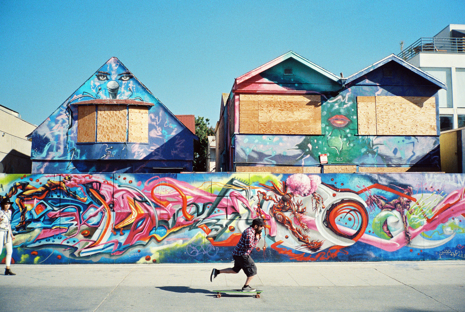 Venice-beach-colorful-stalman.jpeg