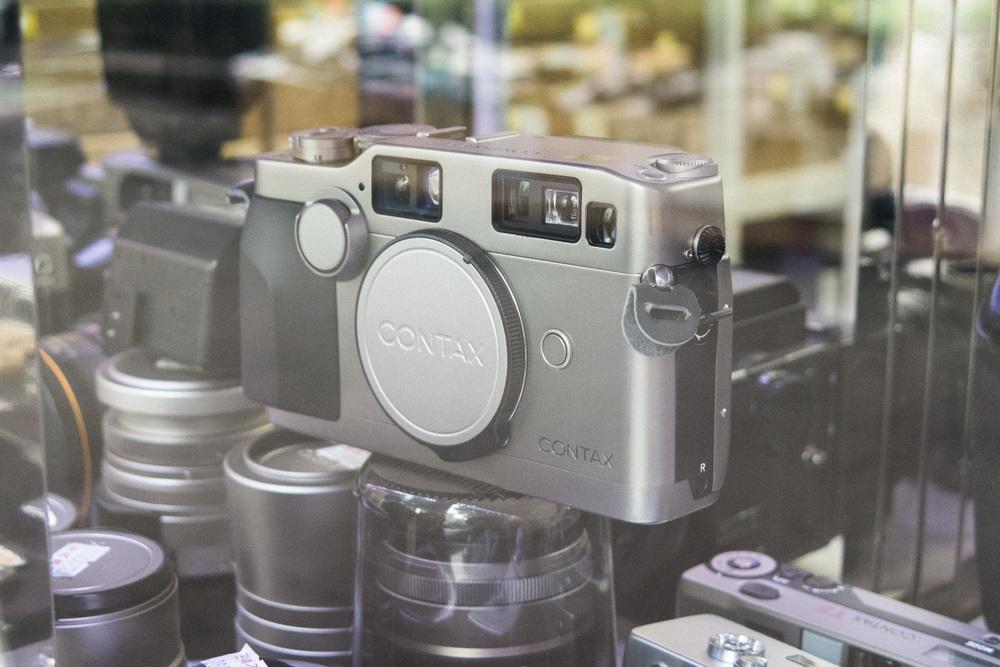 1ede8-inside-camera-stores-asia-stalman-30.jpg