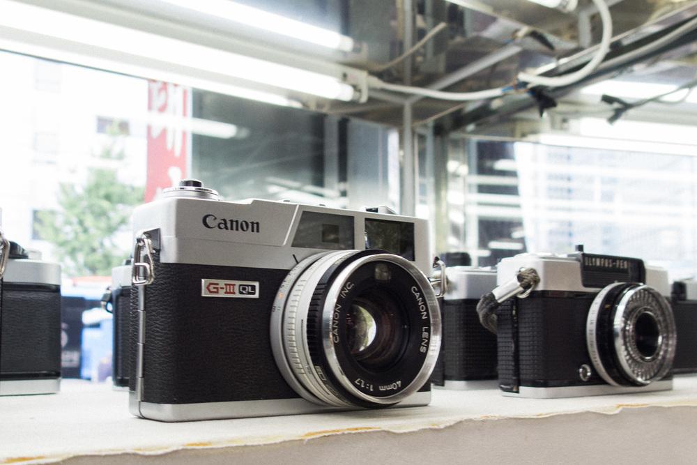d468f-inside-camera-stores-asia-stalman-33.jpg