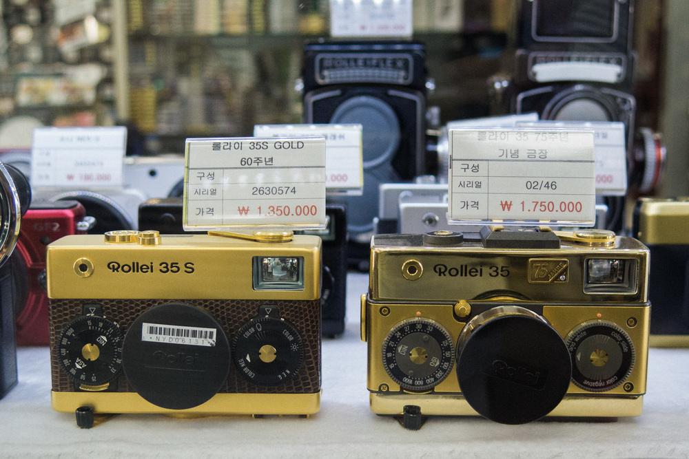 ae28a-inside-camera-stores-asia-stalman-40.jpg