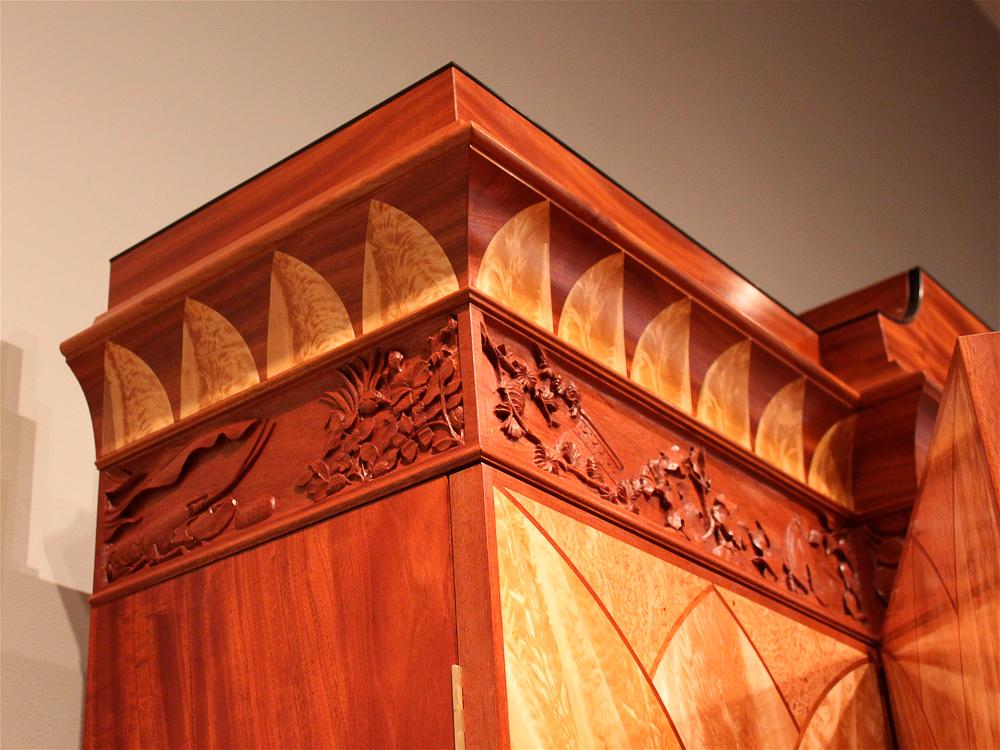 WMBF_-detail--of-crown_-Lamb-carving.jpg