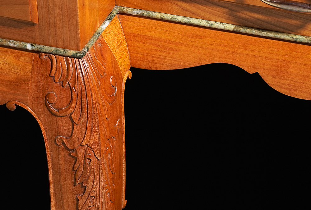 Griffith hall table detail