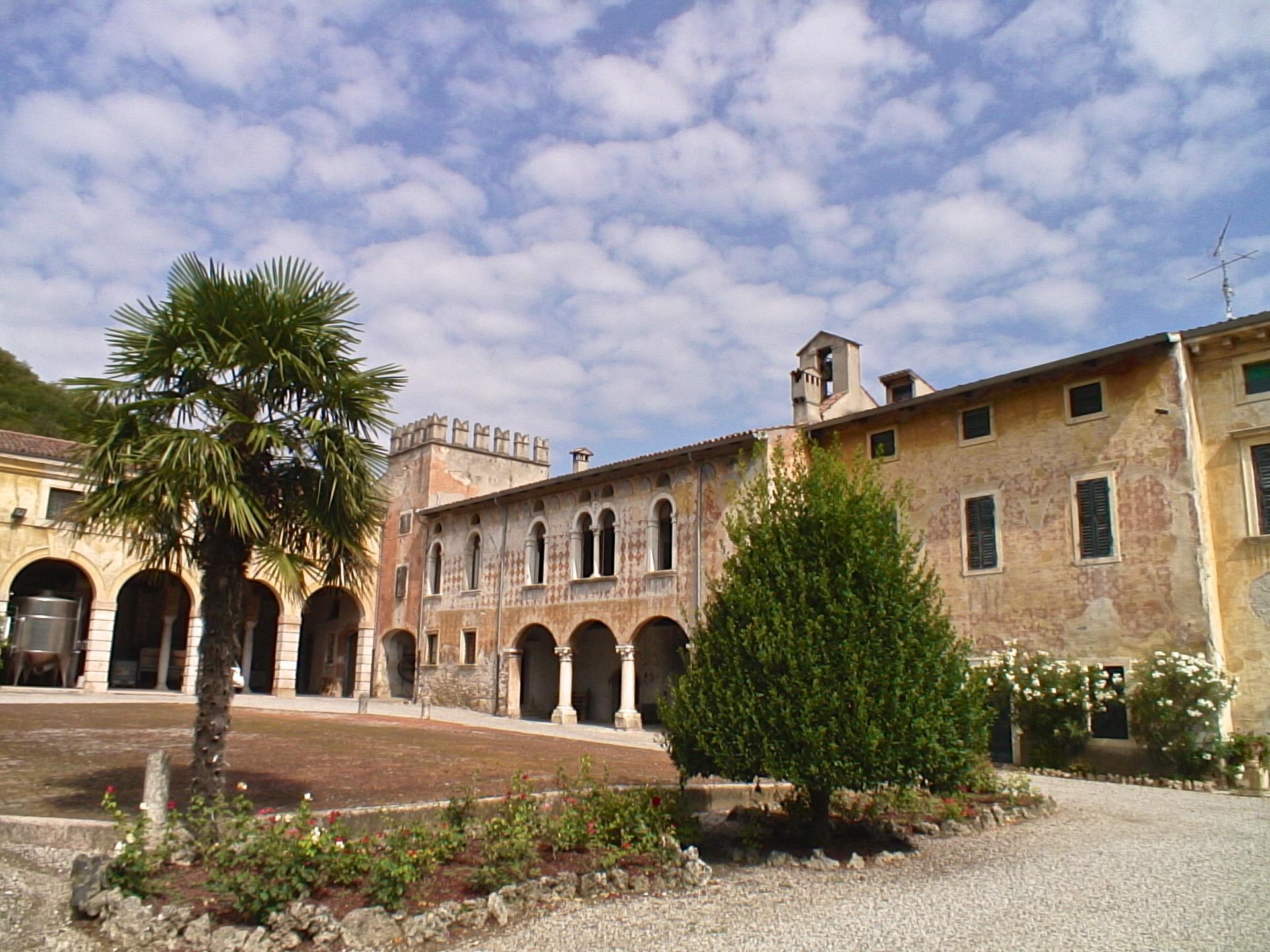 Villa Erbice 1.jpg