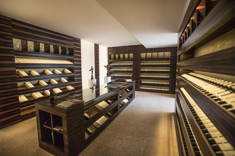 Ugolini wineshop_7.jpg