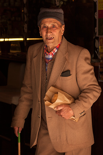 Morning shopper, San Giovanni D'asso