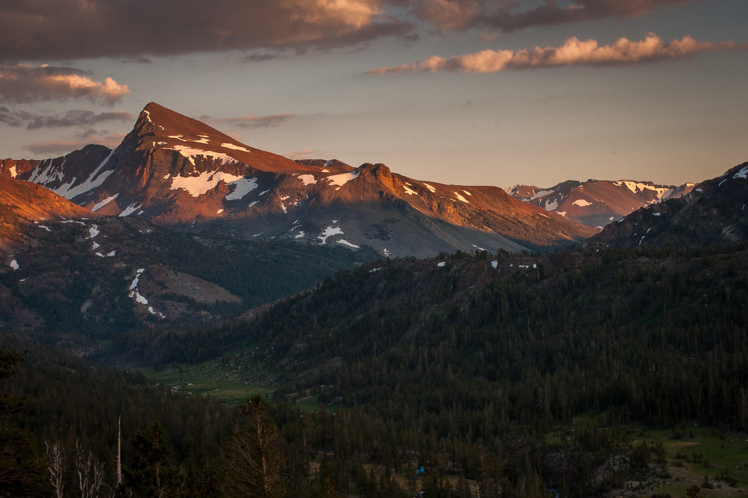 Yosemite_at_sunset.jpg
