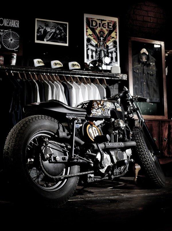 600x808xilovedust-boneshaker-cafe-racer-7.600.808.s.jpg.pagespeed.ic.4jelGgmJEY.jpg