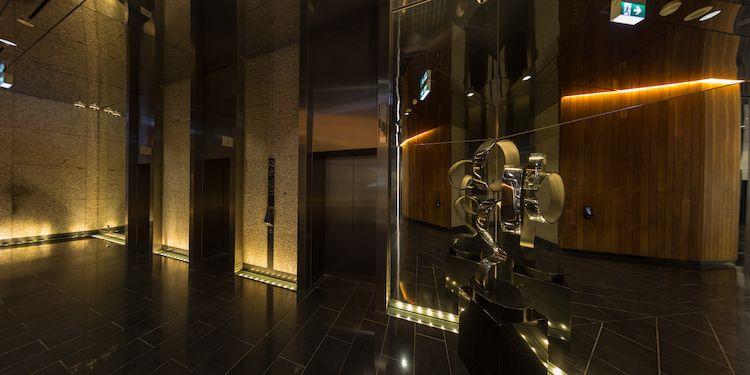 Elevator : Waiting area & Sculpture