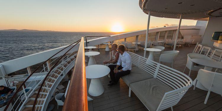 VA: Mikinos Island - Drinks before dinner on Deck 6