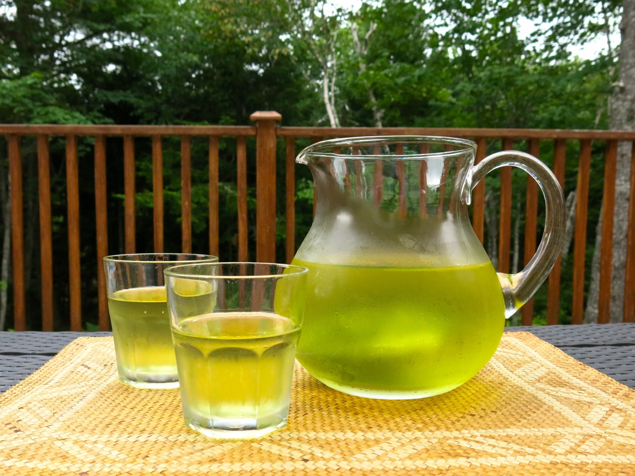 Cold brew green tea. It's easy to make!