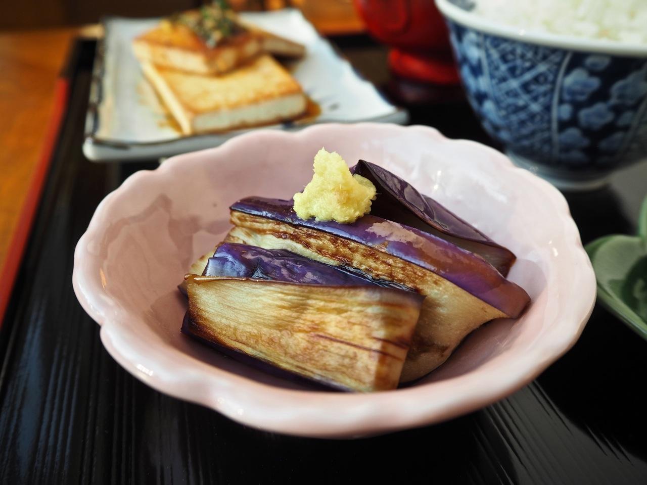 Nasu no yakimono 茄子の焼き物 Grilled eggplant.