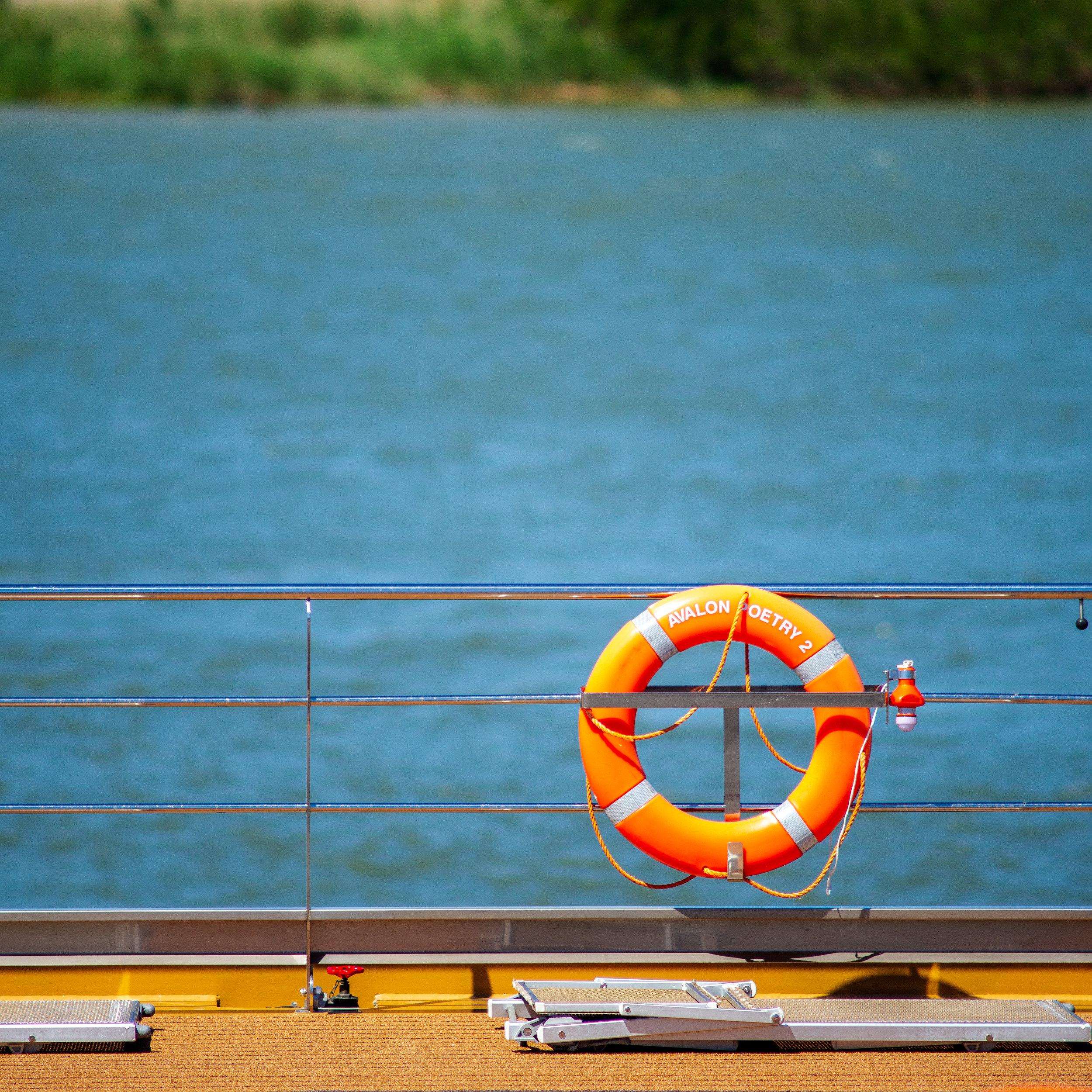 River-cruise Liner, Arles