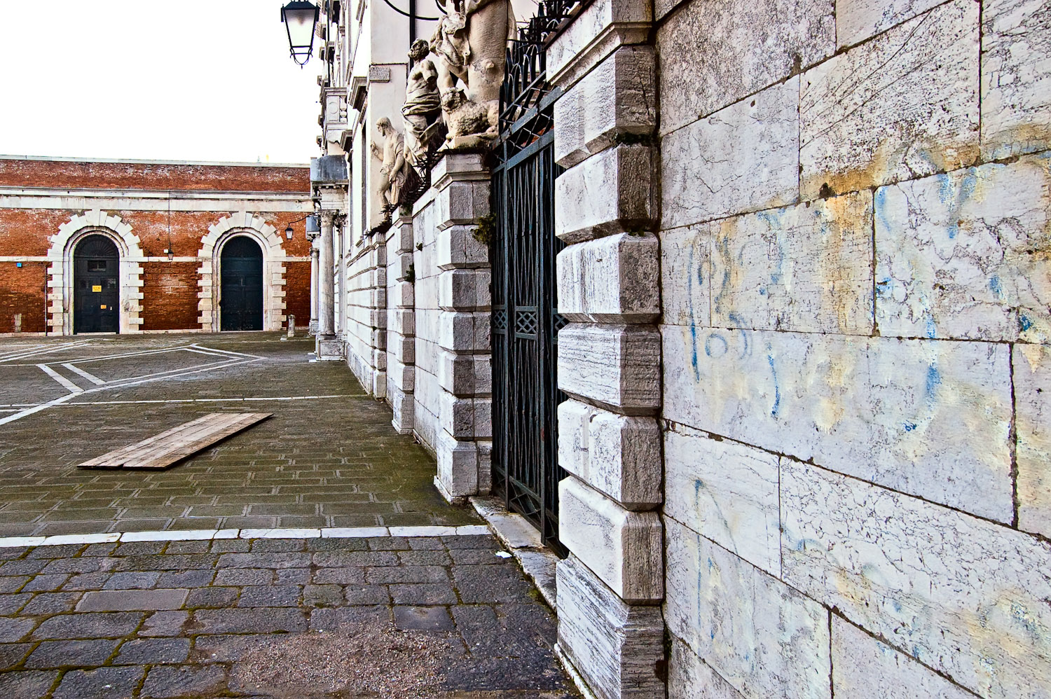 Venetian Wall and Boards