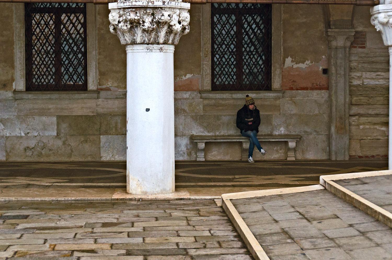 Girl on Bench, Palazzo Ducale