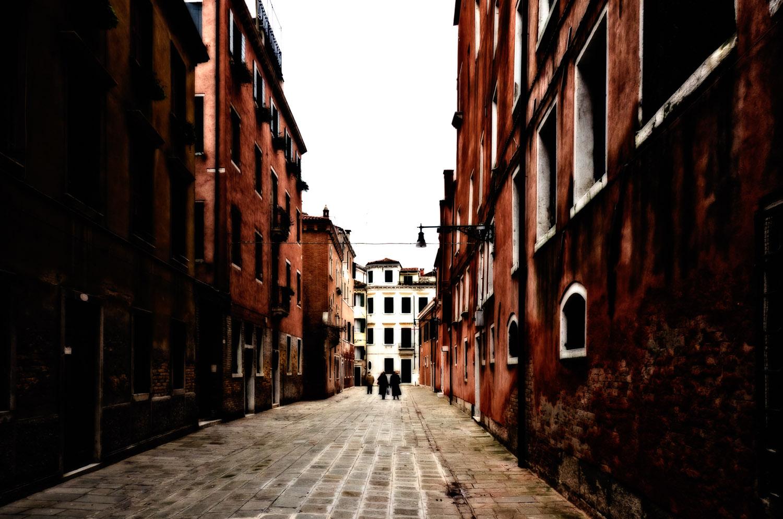 A Summer Dream of a Venetian Winter   Mark Lindsay