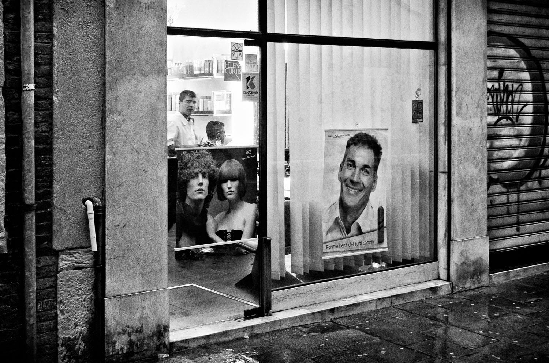 Venetian Barber | Mark Lindsay
