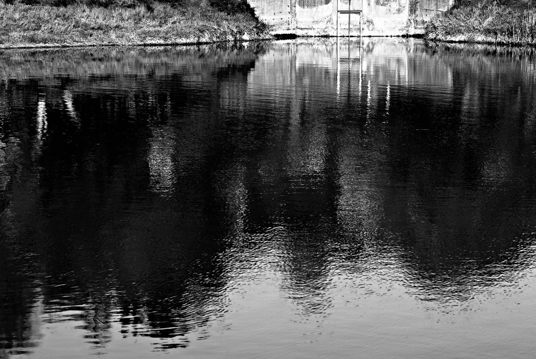 Shadow in Reflection | Mark Lindsay