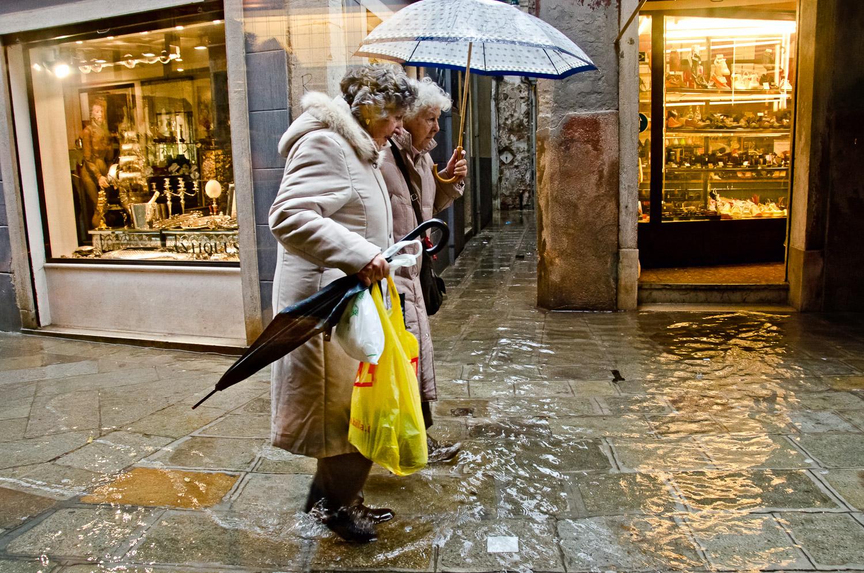 Walking in Acqua Alta