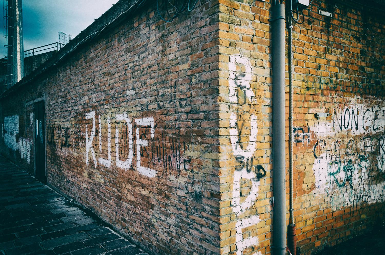 Graffiti, Stadium Wall