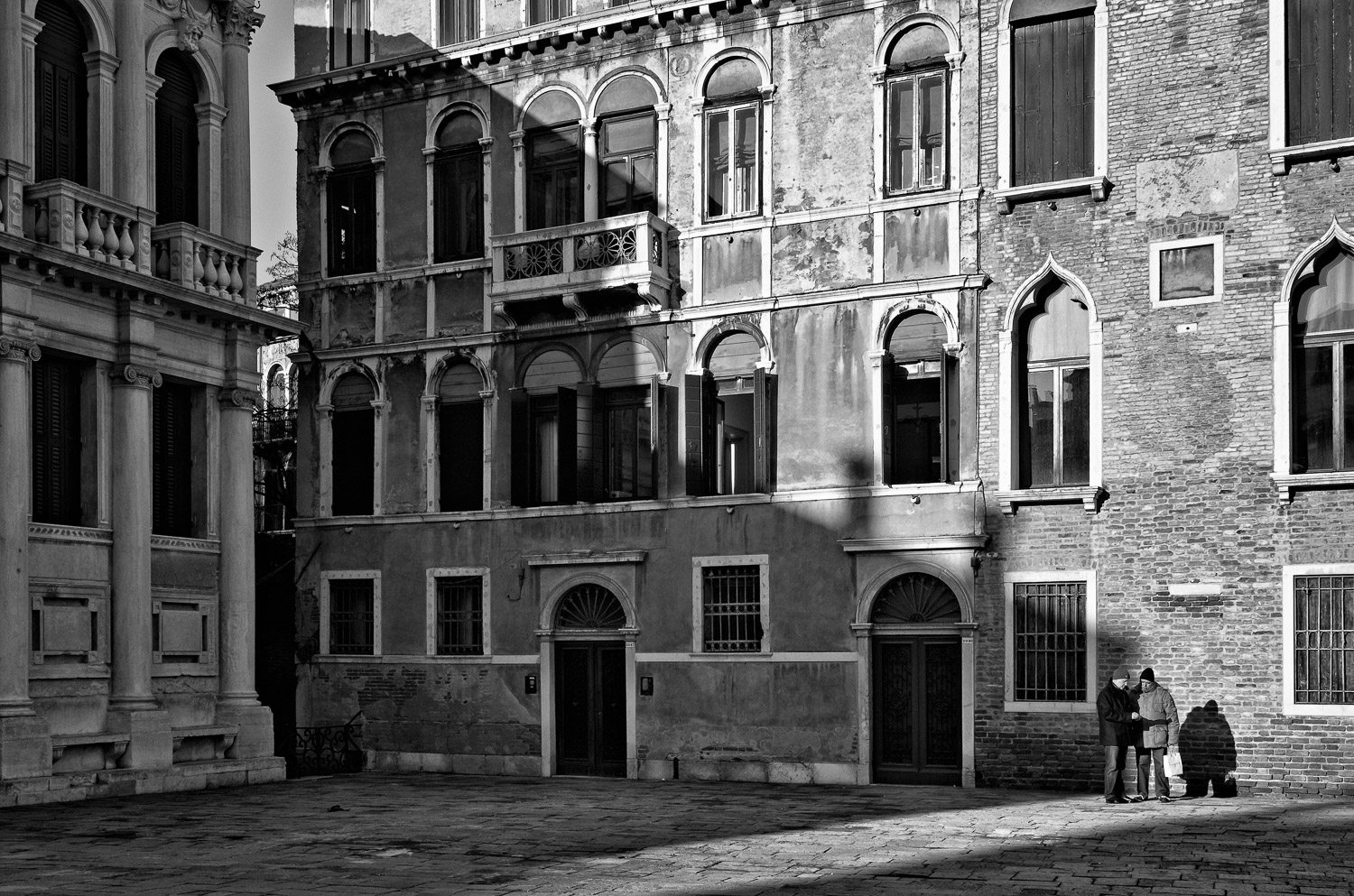 Two Men and a Shadow, Campo Santo Stefano