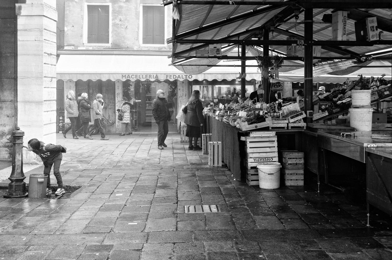 Girl, Fountain, and Rialto Market
