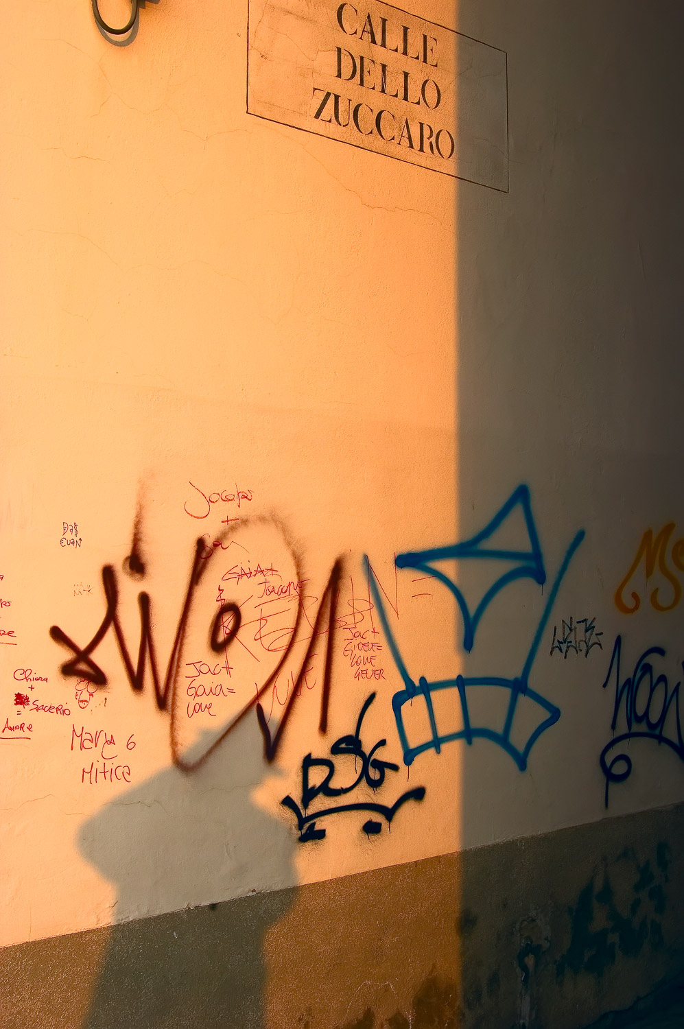 Graffiti Shadow, Venice | Mark Lindsay