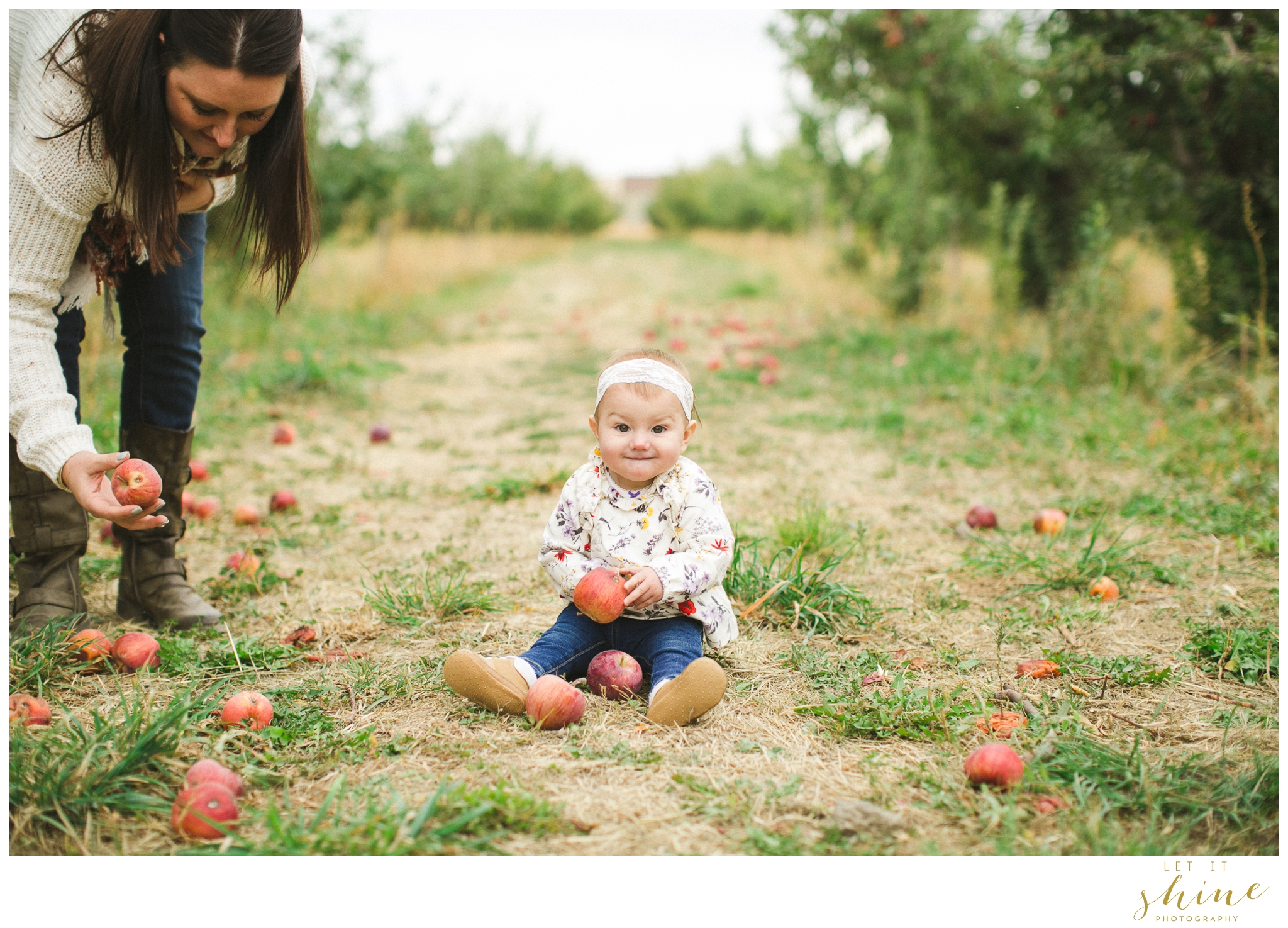 Fall Family Orchards Photos-8485.jpg