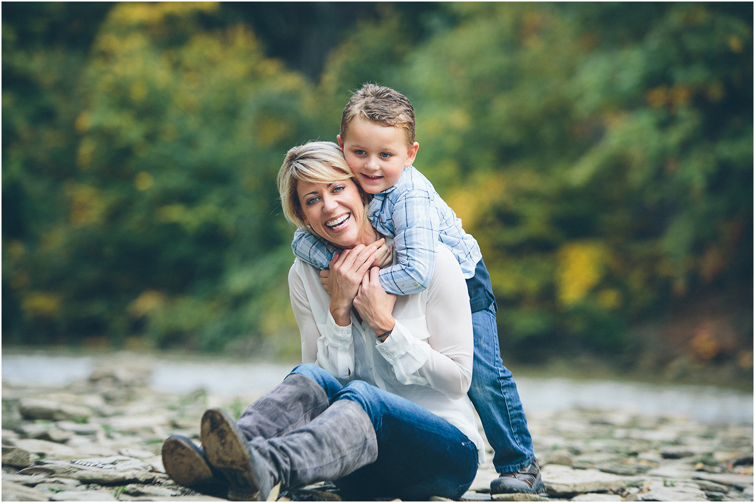 Mother / son love! Family Portraits in Cleveland at Rocky River Park