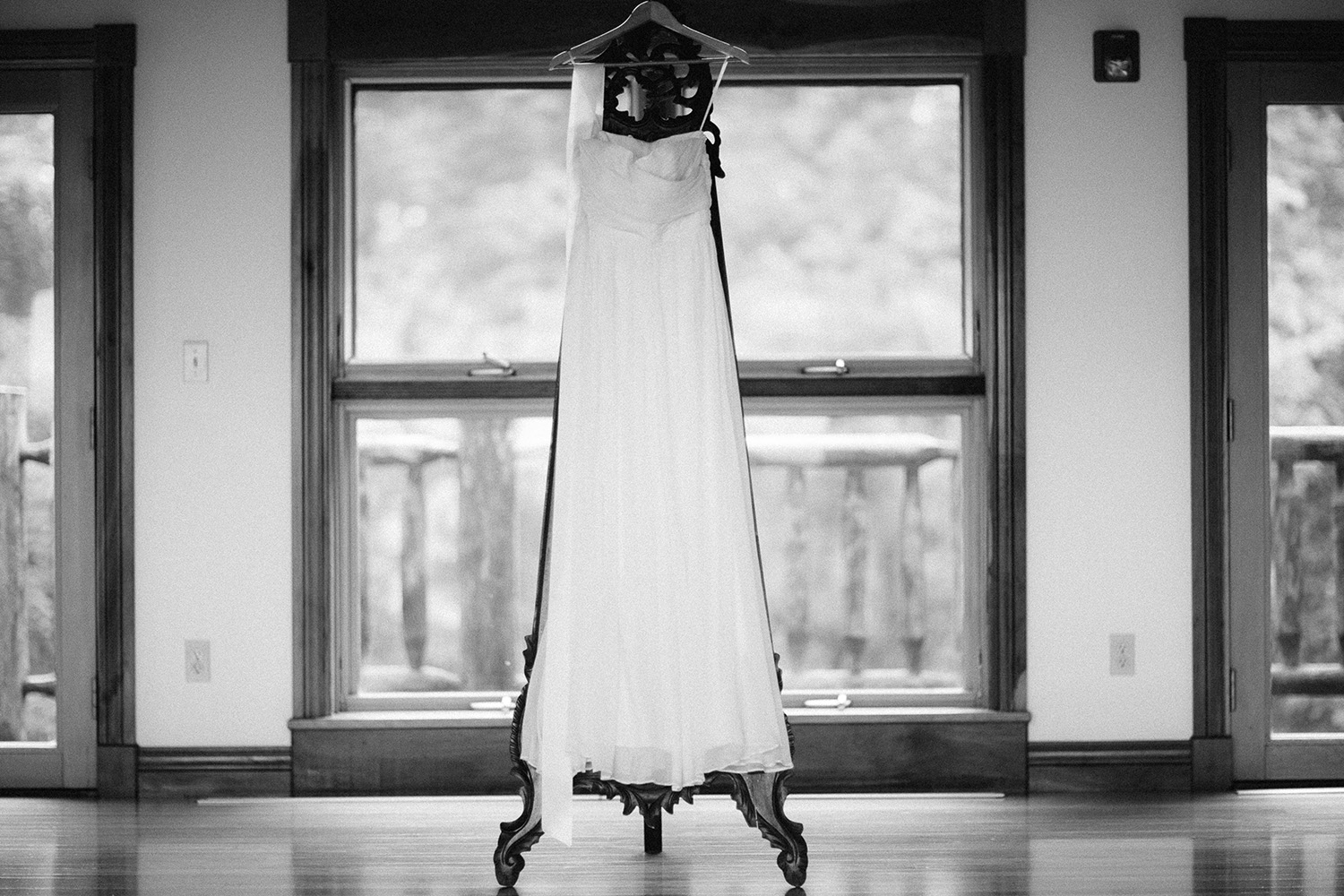 Cleveland Wedding Photographer Vegetable Culinary Institute Laura and Jake
