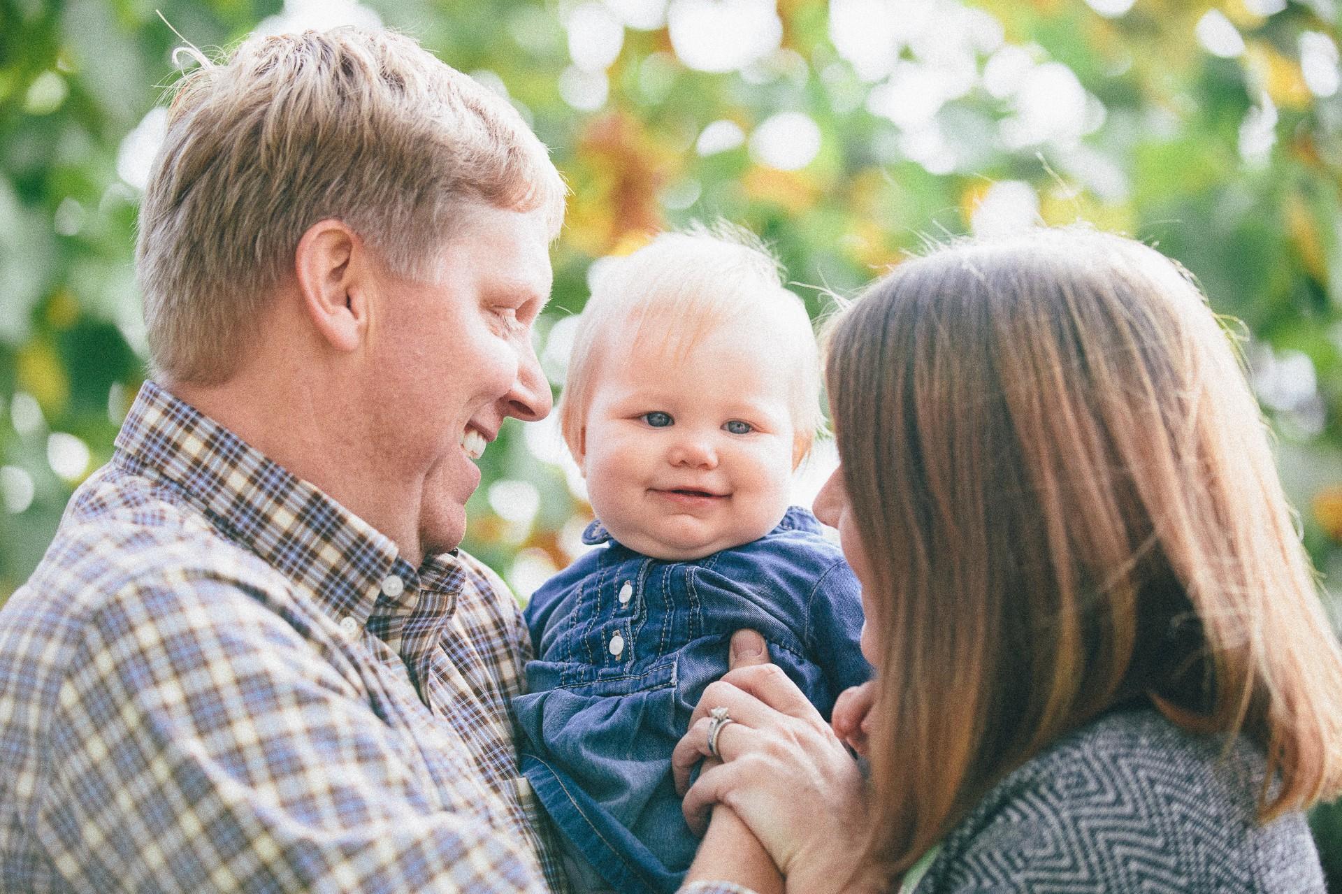 Avon Lake Fall Family Portrait Photographer-18.jpg