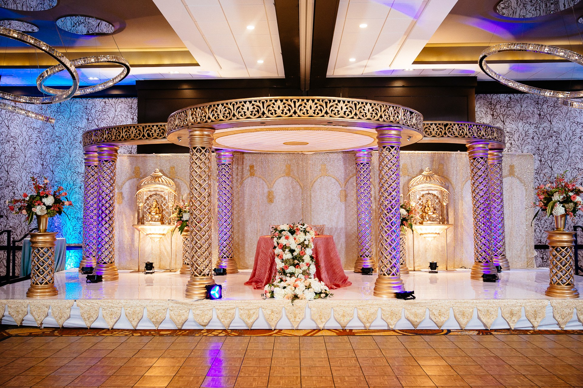 Indian Wedding Photographer in Cleveland at the Westin Hotel 107.jpg