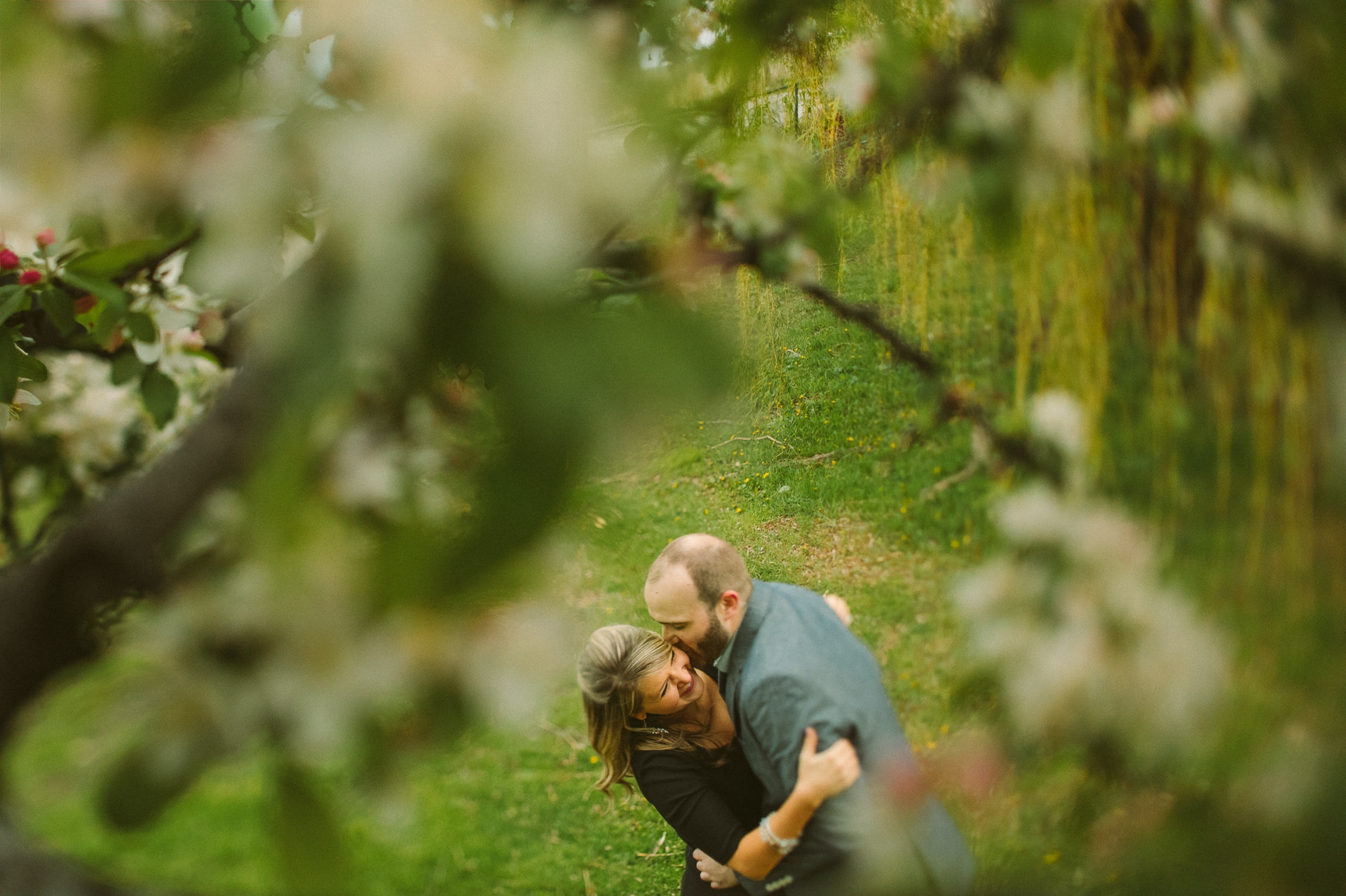 Chicago Engagement and Wedding Photographer 14.jpg