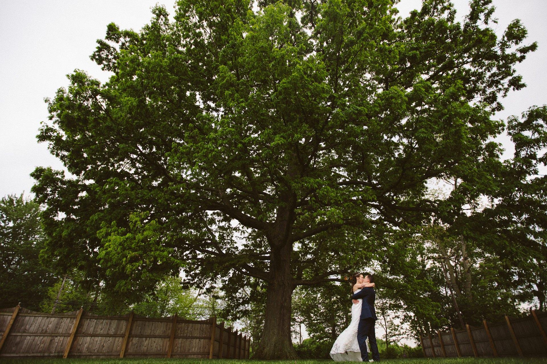 Cleveland Wedding Photographer at Whitehall Columbia 29.jpg