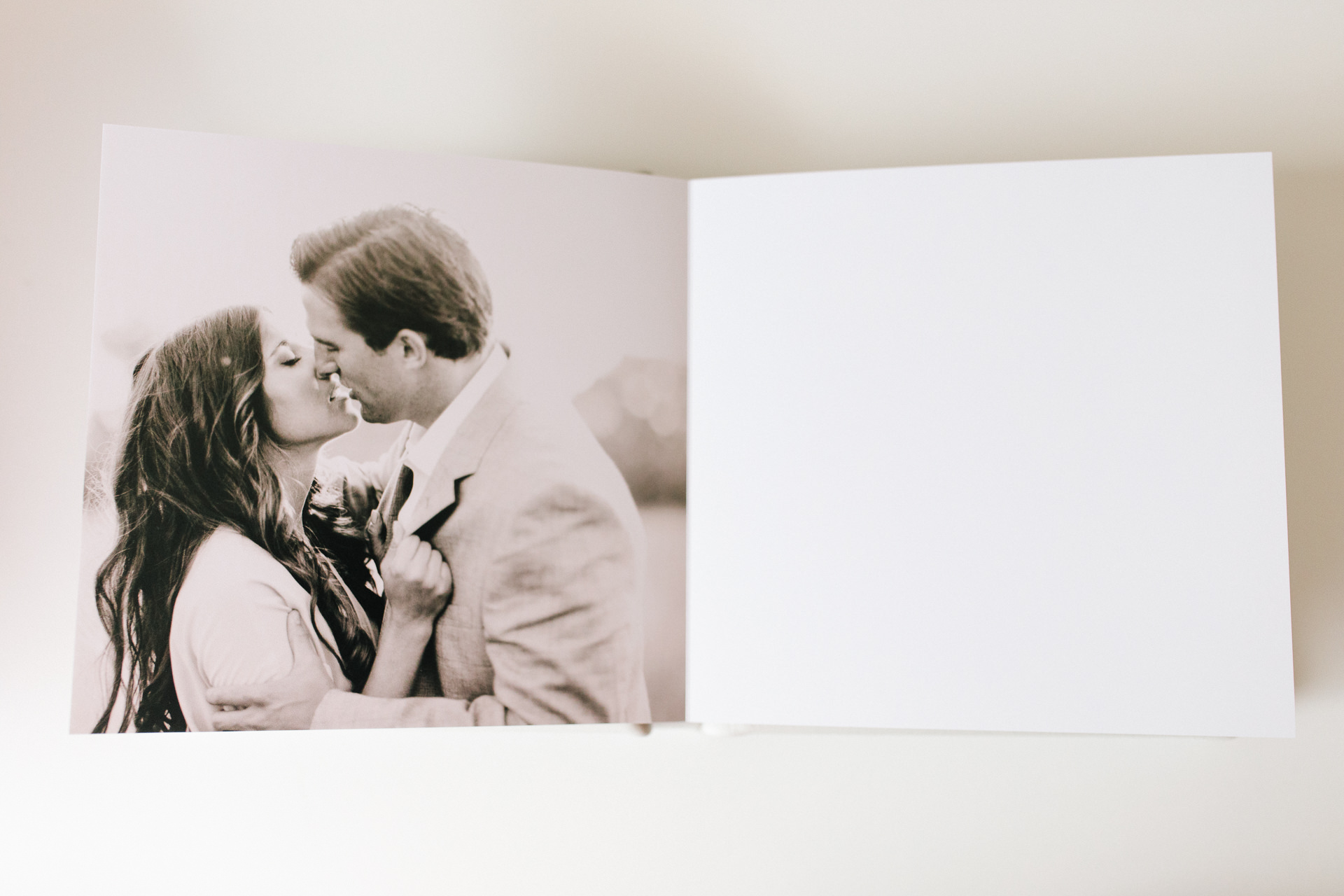 The guest book is a killer way to show off the amazing images.