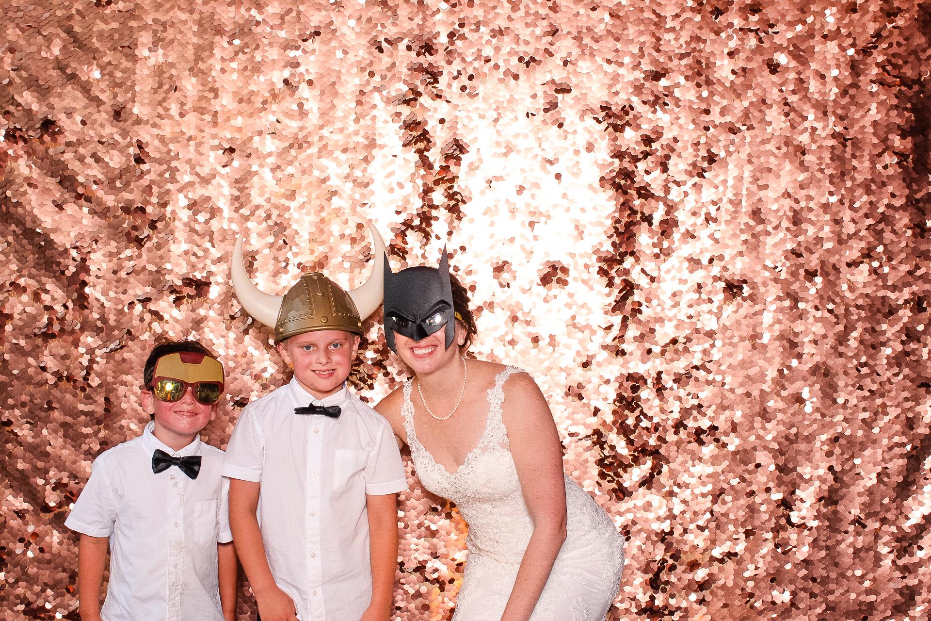 00065 Meadow Ridge Farms Wedding PHotobgrapher Photobooth.jpg
