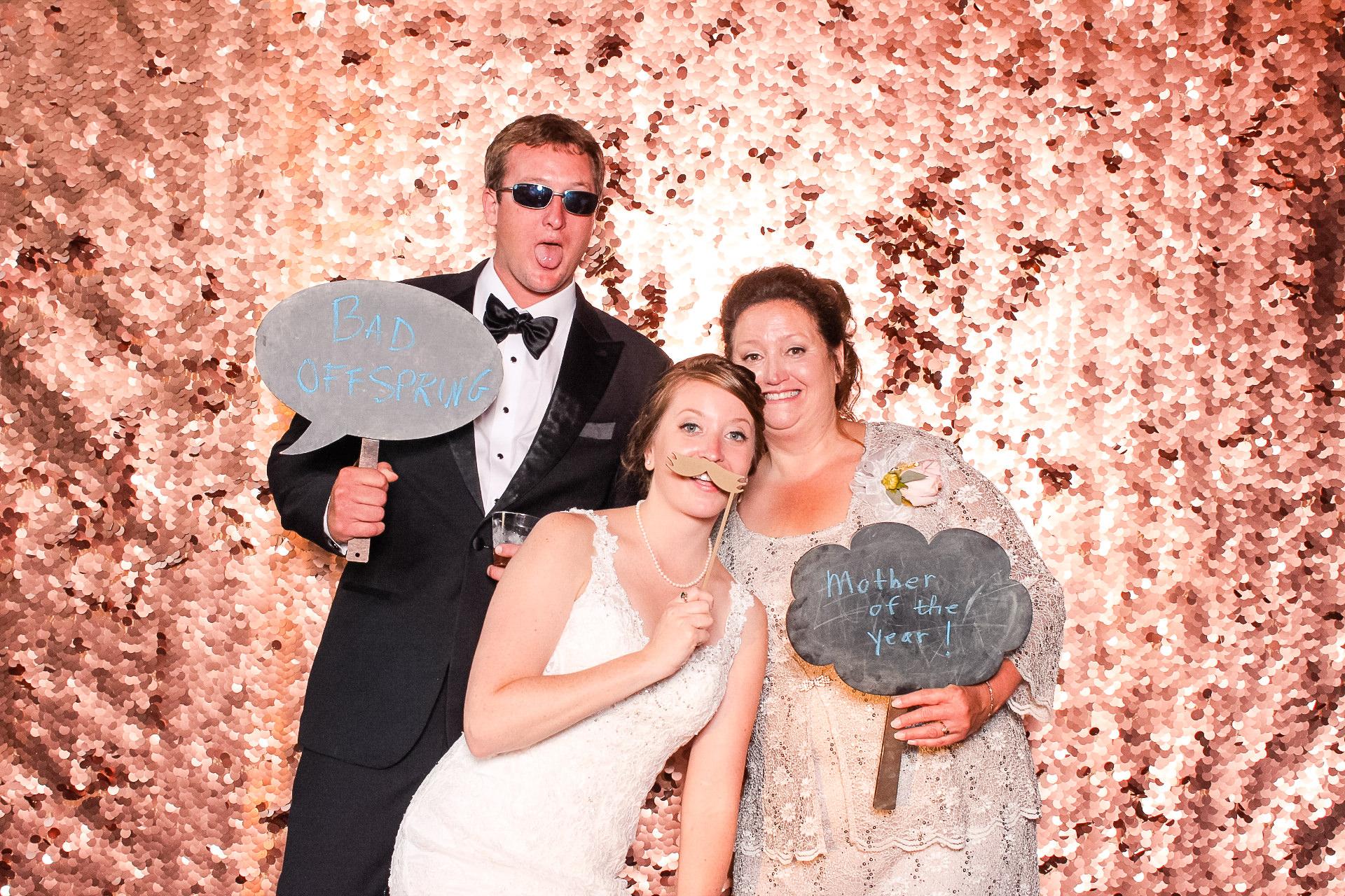 00110 Meadow Ridge Farms Wedding PHotobgrapher Photobooth.jpg