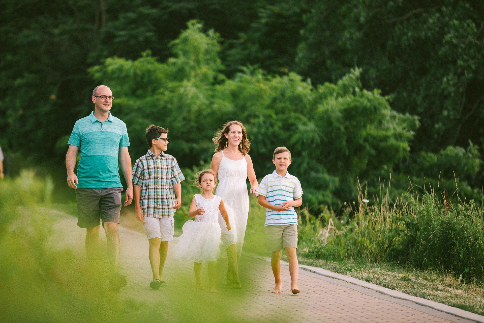 Lakewood Ohio Lifestyle Family Photographer 1.jpg