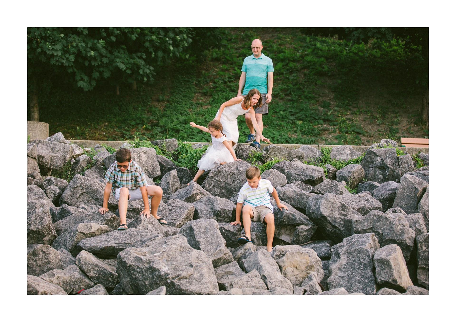 Lakewood Ohio Lifestyle Family Photographer 2.jpg