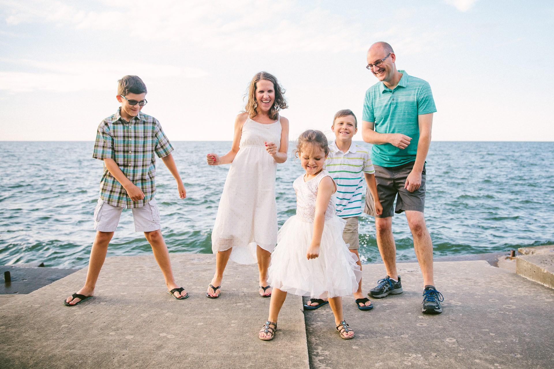 Lakewood Ohio Lifestyle Family Photographer 5.jpg