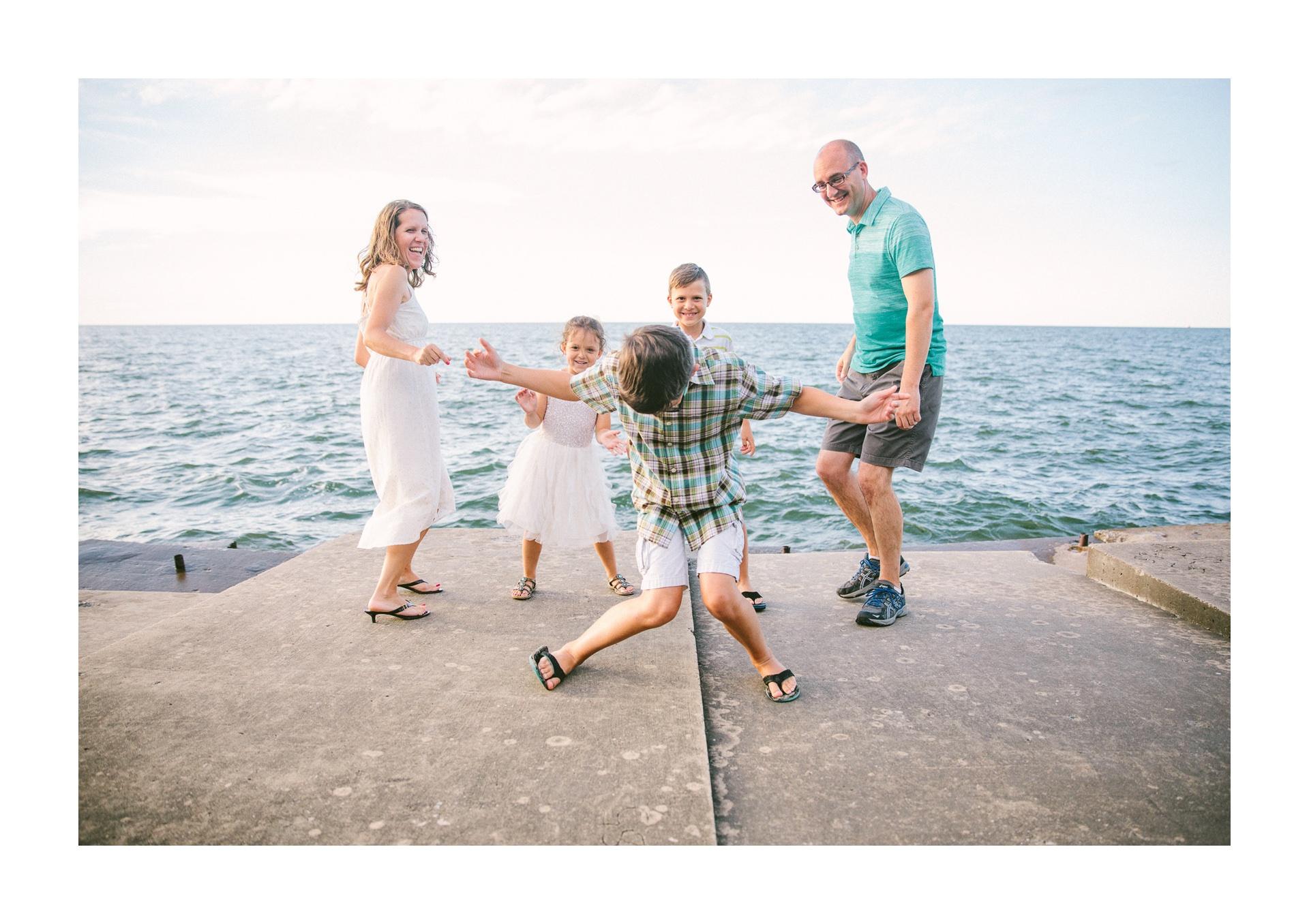 Lakewood Ohio Lifestyle Family Photographer 6.jpg