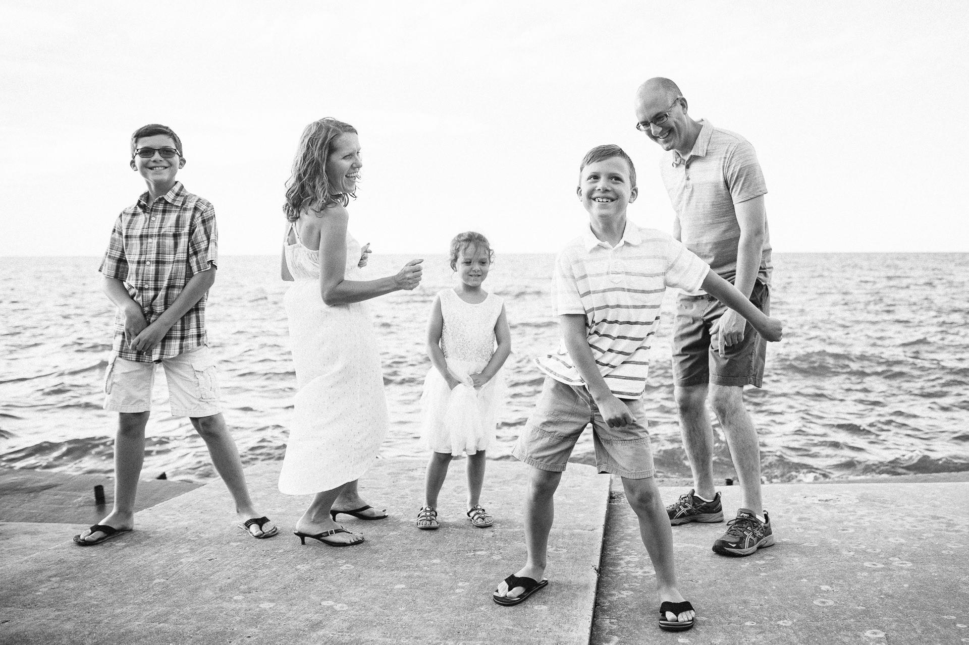 Lakewood Ohio Lifestyle Family Photographer 7.jpg