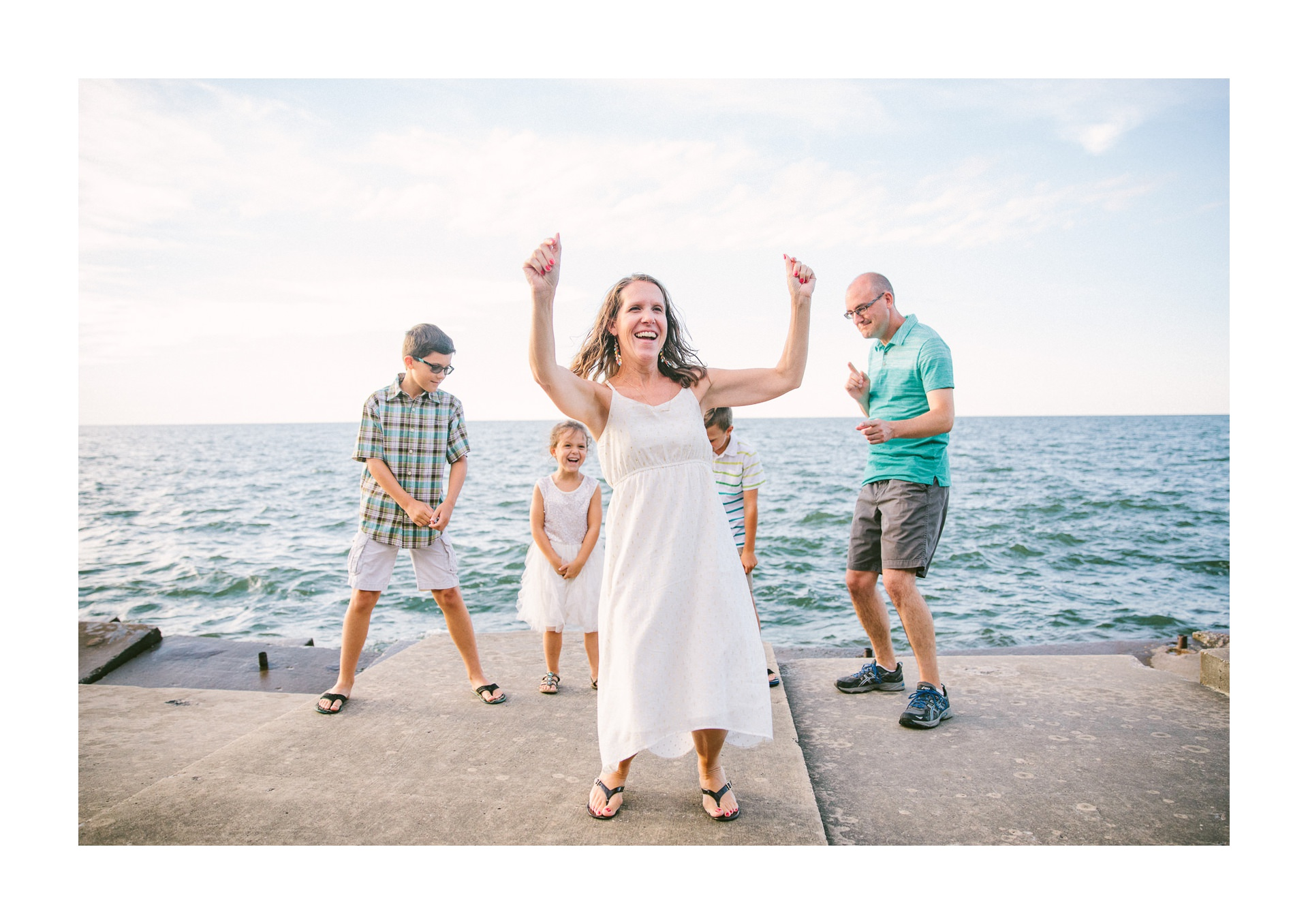 Lakewood Ohio Lifestyle Family Photographer 8.jpg
