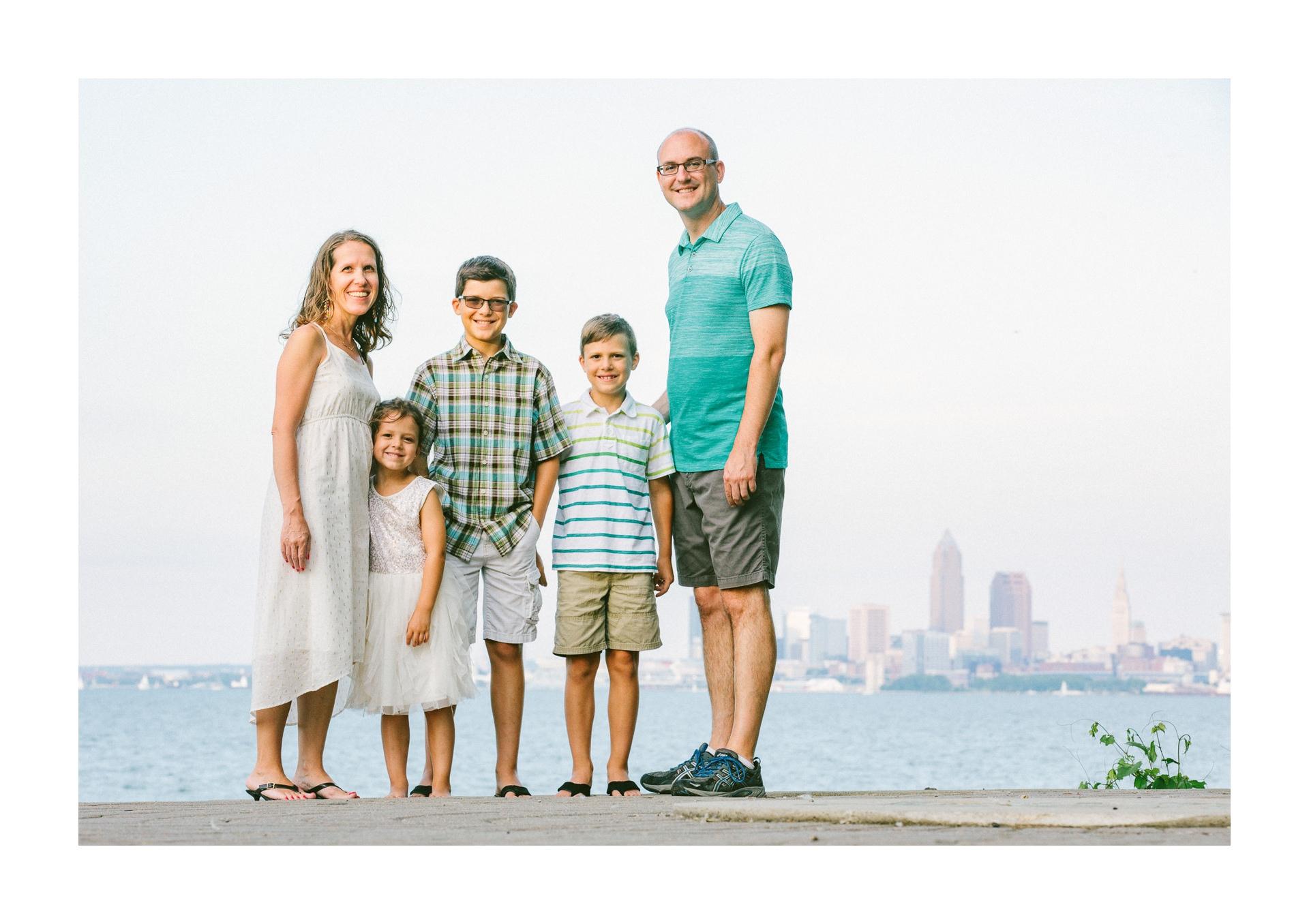 Lakewood Ohio Lifestyle Family Photographer 17.jpg