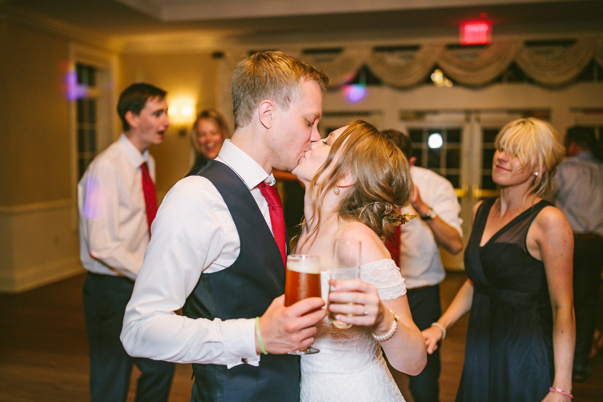 Glidden House Wedding Photot 24.jpg