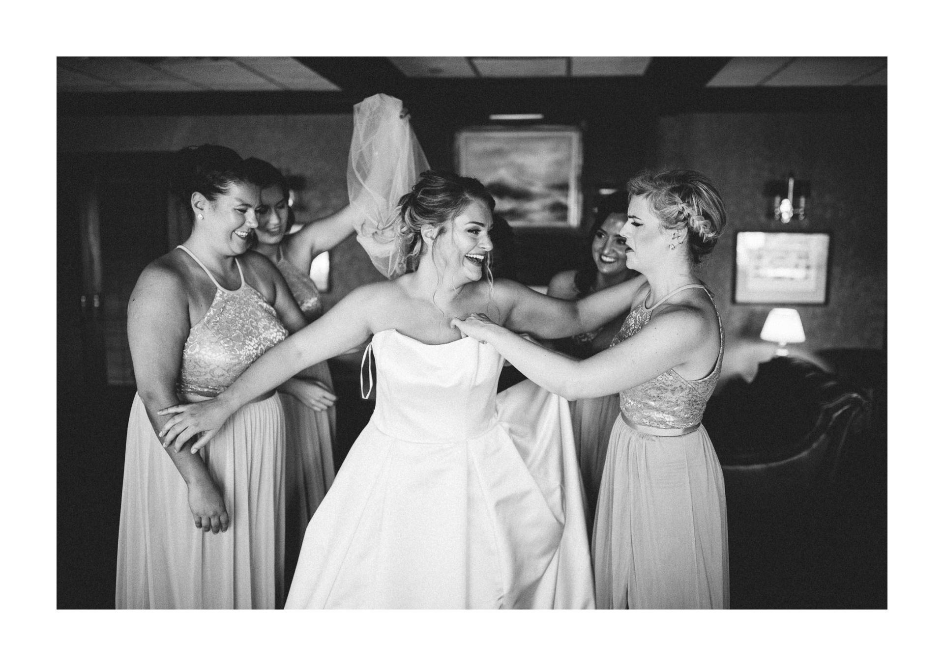 Catawba Island Club Wedding Photographer 1 12.jpg