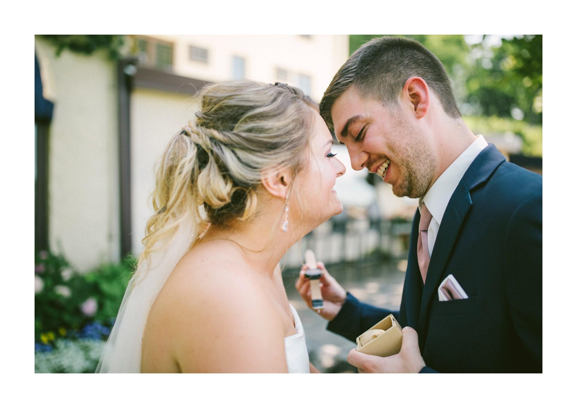 Catawba Island Club Wedding Photographer 1 22.jpg