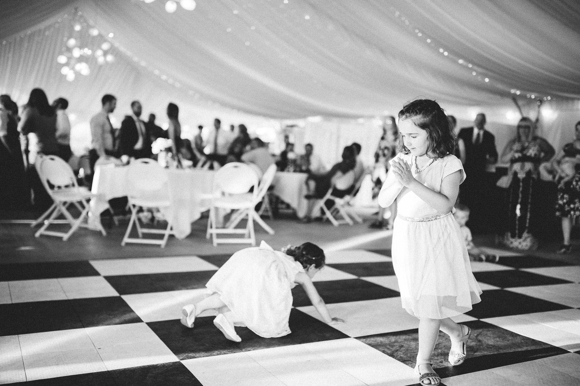 Catawba Island Club Wedding Photographer 2 14.jpg