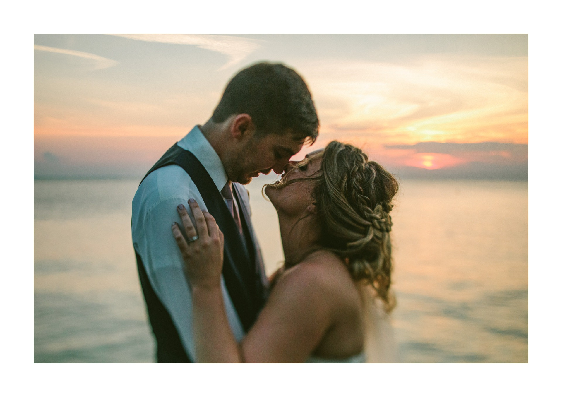 Catawba Island Club Wedding Photographer 2 25.jpg
